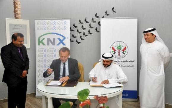 Dr. Rashid Alleem, Chairman of SEWA, and Mr. Heinz Lux, CEO of KNX Association, signing the memorandum of understanding