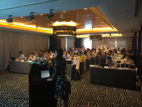 Ms. Qiuping Zheng presenting the ETS inside to the KNX China community