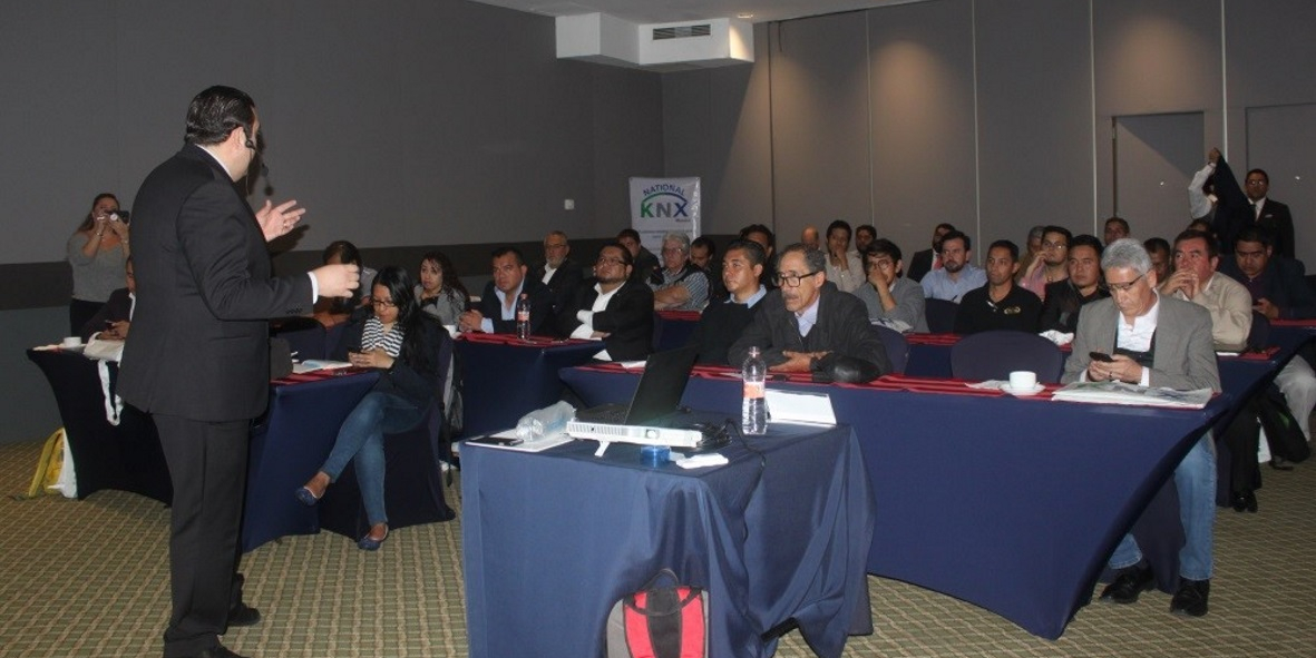 KNX Mexico #KNXTrain event